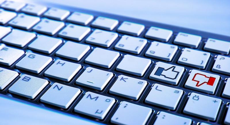 Motiv: Keyboard med like eller dislike